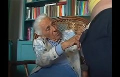 Babuta De 73 De Ani Accepta Sa Faca Xxx Cu Un Barbat Pervers