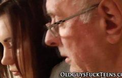 Pustoaice Rupte In Gaoaza De Bunicul Ei De 70 De Ani