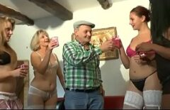 Porno Mojneag Fute 4 Femei Odata